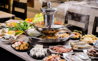 Steamboat and Grill Barbecue Buffet with Free Flow Drinks for 4 People
