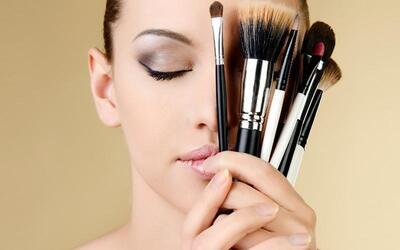 2-Day Korean Makeup + Hairdo OR Magazine Photoshoot + Makeup Workshop for 1 Person