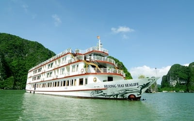 Halong Bay: Stay in Cruise Cabin Suite