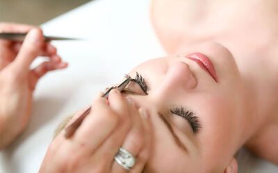 Remove Eyelash Extention