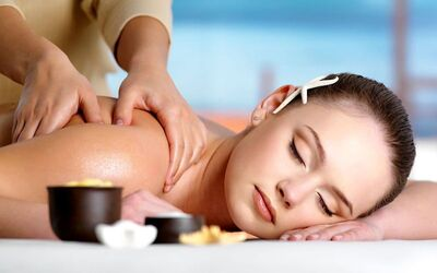 1x Body Massage, Body Scrub, dan Facial Gold