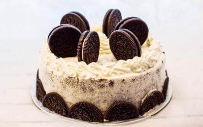 One (1) 800g Cookies and Cream Gelato Cake (Takeaway)
