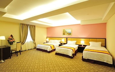 Melaka: 2D1N Stay in Family Suite for 4 People + Breakfast + River Cruise Tickets