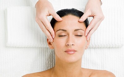 Centella Bio Cosmetiques Facial, Mask + Neck and Shoulder Massage + Consultation for 1 Person (3 Sessions)