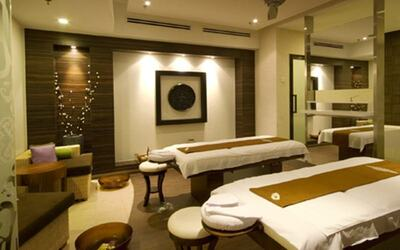 90-Minute Full Body Balinese Massage with Foot Spa for 2 People