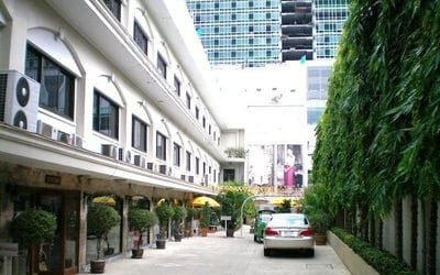 Bangkok: Stay at PJ Watergate + Flights