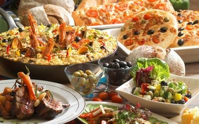 (Sun - Tue) International Buffet Dinner for 1 Person
