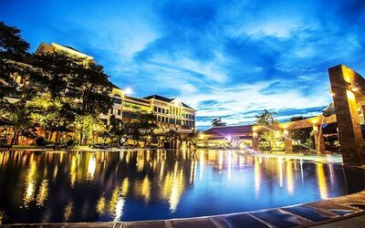 Siem Reap: 5D4N Stay in Deluxe Pool View Room with Breakfast for 2 People