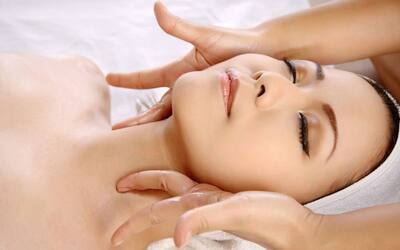 1-Hour Laser Facial with Collagen Mask for 2 People