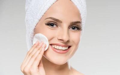 1x Face Cleansing + Peeling Brightening