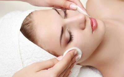 Purifying Facial for 1 Person (2 Sessions)