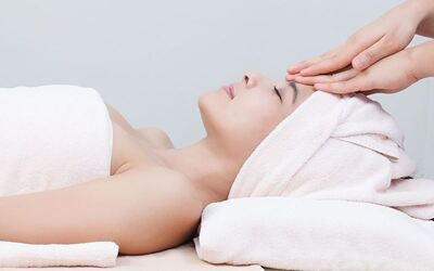 Oxygen Facial with Oxy Jet Spray Treatment for 1 Person (1 Session)