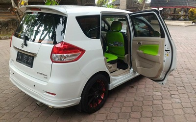 Bali: 8-Hour Minivan Hire with Private Driver for Up to 5 People