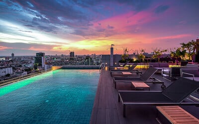 Bangkok: 5* Resort Near MRT Station