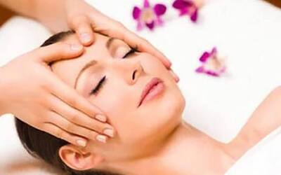 75-Minute Customised Facial with Shoulder Massage for 1 Person (3 Sessions)