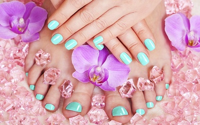 Gel Pedicure with Return Soak-Off + Complimentary Hair Treatment for 1 Person (3 Sessions)