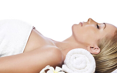 1.5-Hour Aqua Firming Facial Treatment with Back Detox Scraping for 1 Person