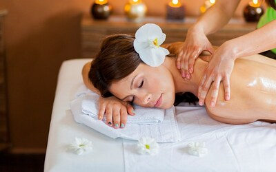 1-Hour 30-Minute Aromatherapy and Foot Massage for 1 Person