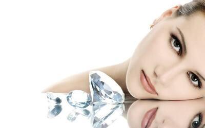 1x Diamond Face Up + Whitening Face Treatment + Serum