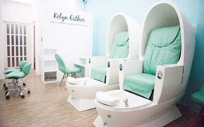 Classic Mani-Pedi with Dead Sea and Organic Foot Spray for 1 Person (3 Sessions)