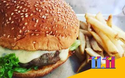 [11.11 Sale] Signature Oinkz Burger with One (1) Side for 1 Person