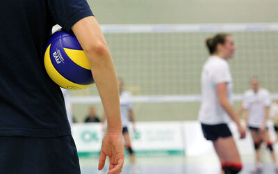 Volleyball Lessons for 1 Adult (4 Sessions)