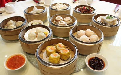 Dim Sum Buffet with 6 Bowls of Double Boiled Whole Abalone with Sea Cucumber and Fish Maw for 6 People