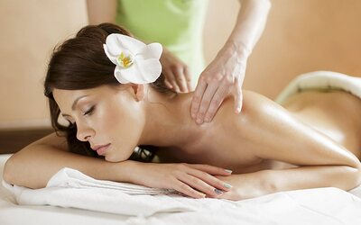 75-Minute Full Body Massage & Scrub for 2 People