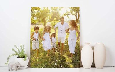"One (1) 12"" x 18"" Personalised Portrait/Landscape Canvas Print with Free Delivery"